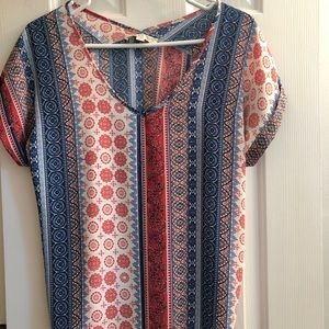 Pretty blouse with patterns